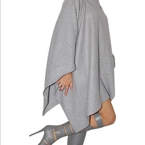 Cynthia Rowley cape poncho gray polyester like new